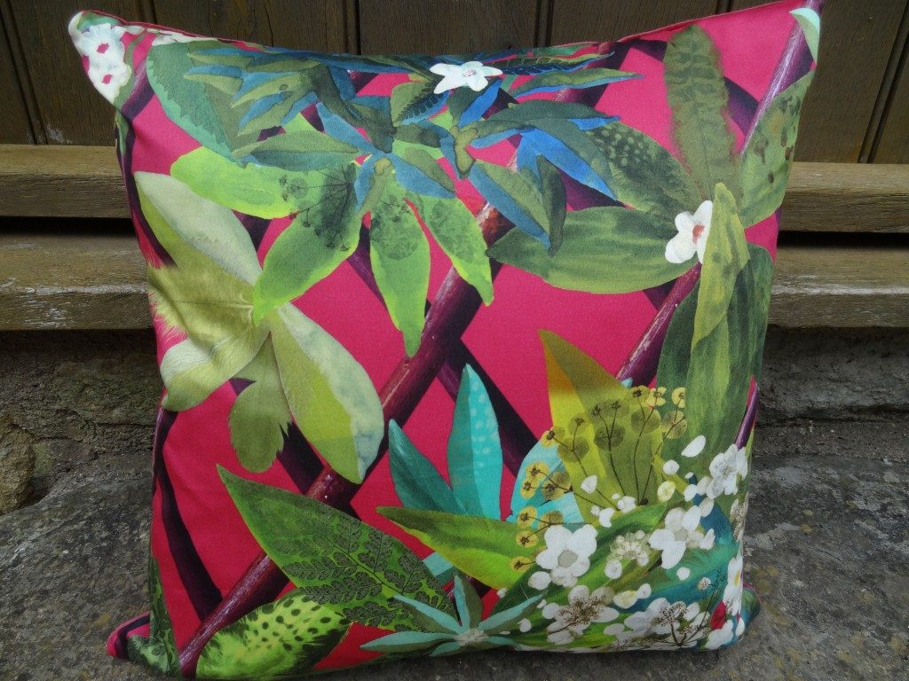 "Cushion ""Fuchsia canopy"""