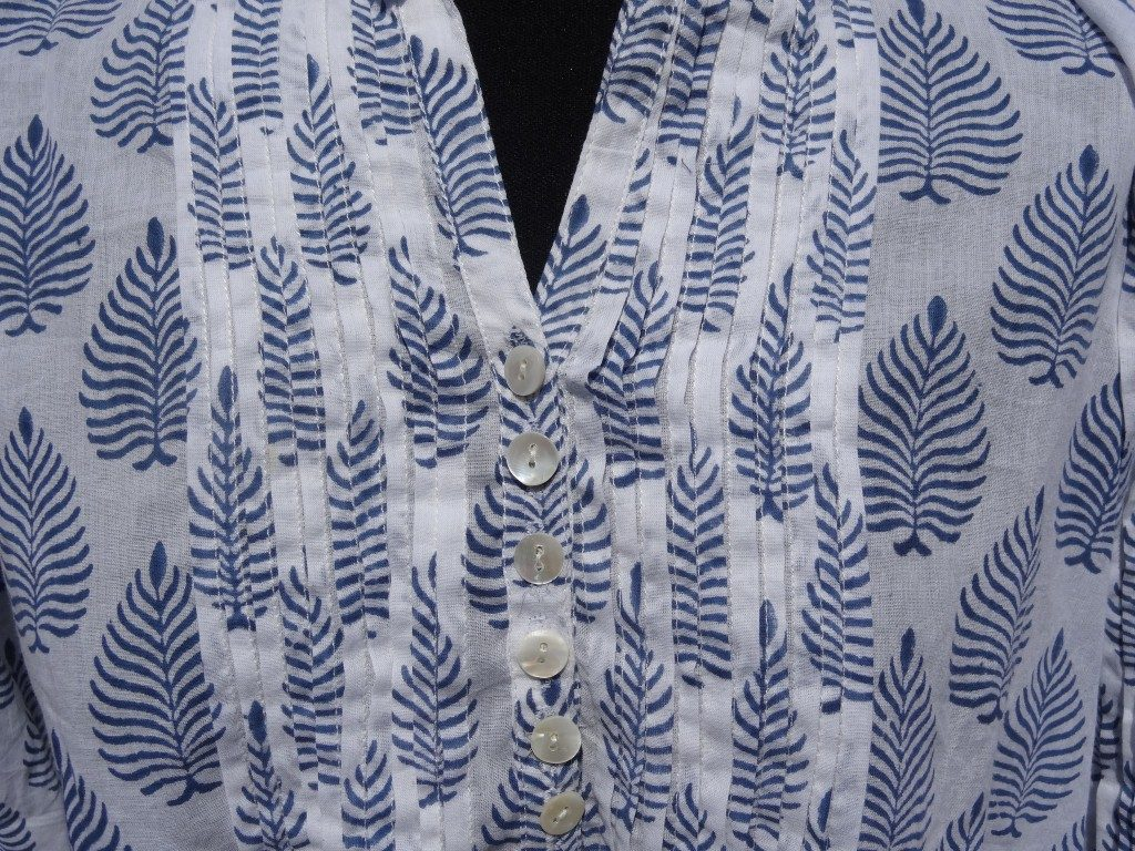 "Indian cotton kaftan with blue ""fern"" design"