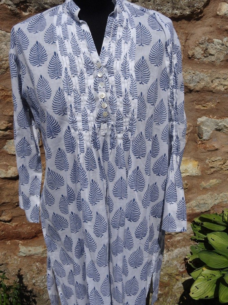 "Indian cotton kaftan with blue ""fern"" design"