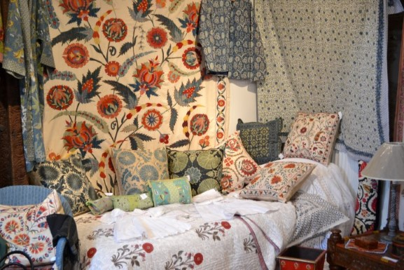Oriental soft furnishings, throws, bedspreads, cushions from India, Nepal, Pakistan and South West China